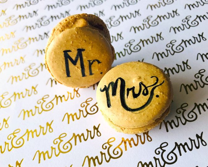 Mr & Mrs. Macarons