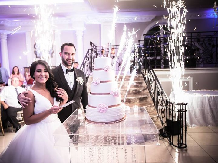 Tmx Erin And Rick Cake Cutting Sparklers 51 364097 Woodbridge, NJ wedding venue