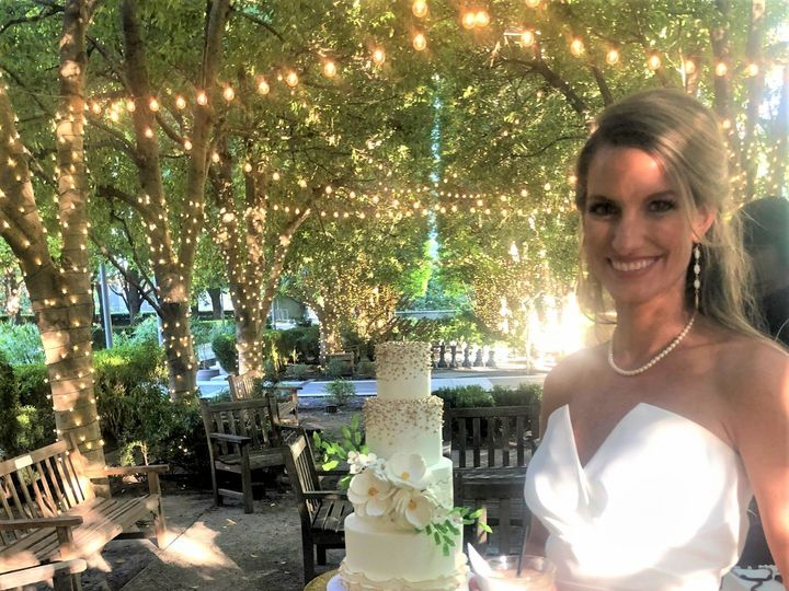Tmx Blaire Her Cake 51 1968097 159197195038174 Arlington, TX wedding cake