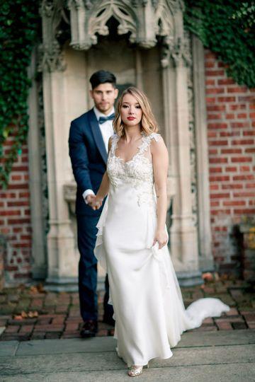 The bride outdoors | Photo: Marissa DeCinque