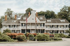 The Waterfront Historic Kent Manor Inn