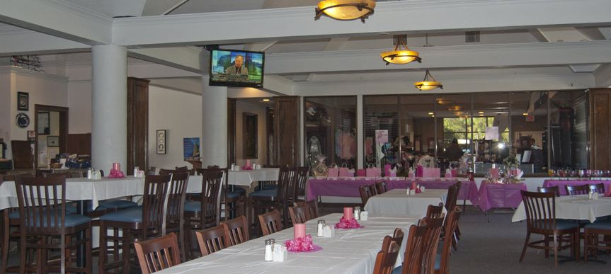 Dining room seating for up to 200 at the Eagles Golf Club