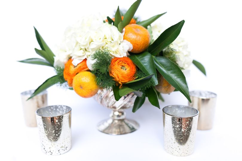 Floral centerpiece and cups