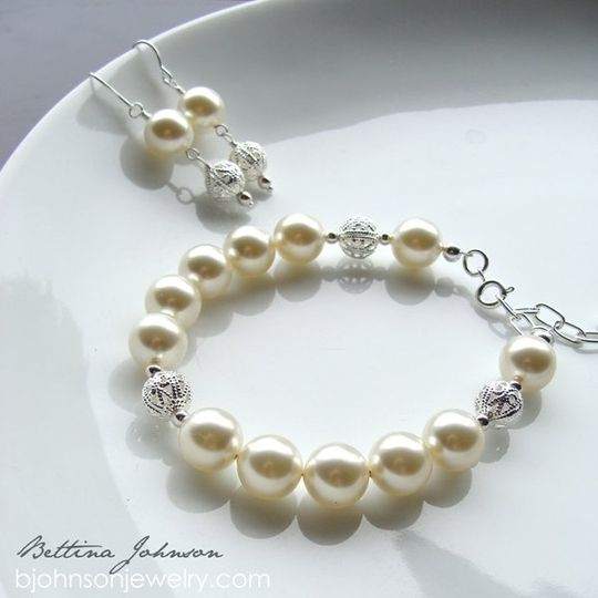 This beautiful Pearl Set is made with love and for all the Bridesmaids & Brides to be out there....