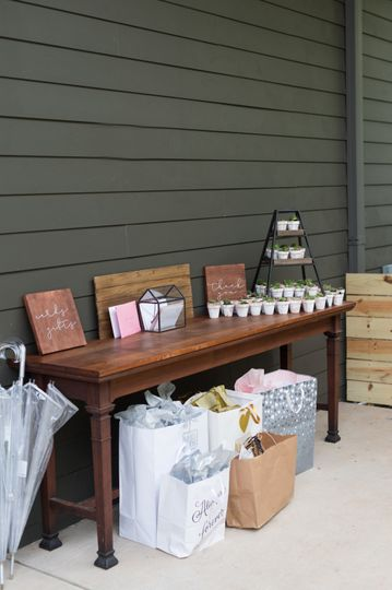 Gift & Favor table