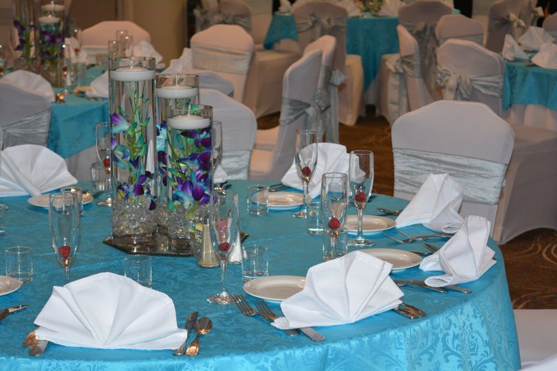 ana jasons wedding tablescape