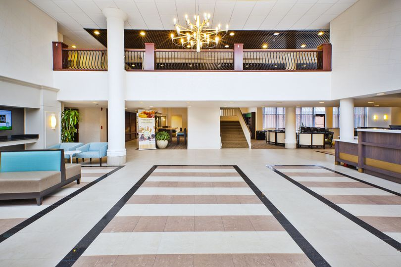 Welcome to the newly renovated Holiday Inn Dulles.
