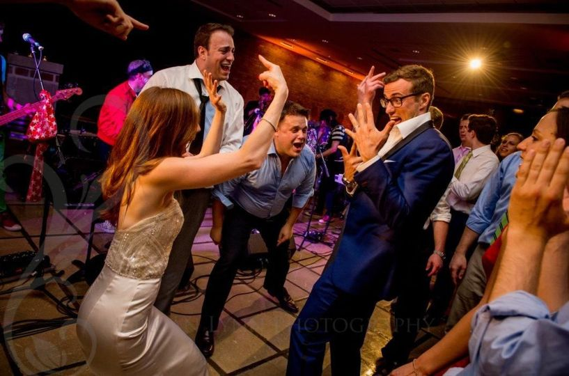 Bride & Groom hit with dance fever!