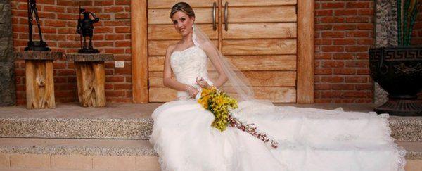 Orlando Wedding Alterations Dress Attire Orlando Fl Weddingwire