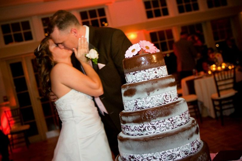 Kissing couple