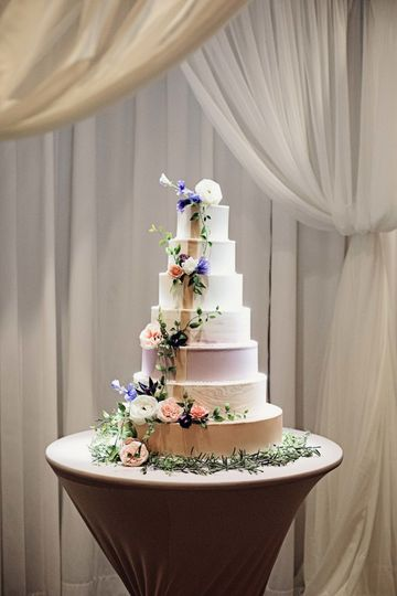 Cake by Sugar Shack Bakery © Moments2Remember