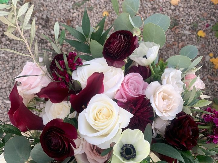 Tmx Image1 51 1895297 159068159013606 Fairhaven, MA wedding florist