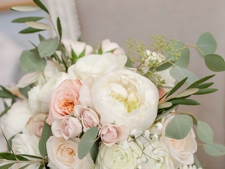 Tmx Image2 2 51 1895297 159068158922456 Fairhaven, MA wedding florist
