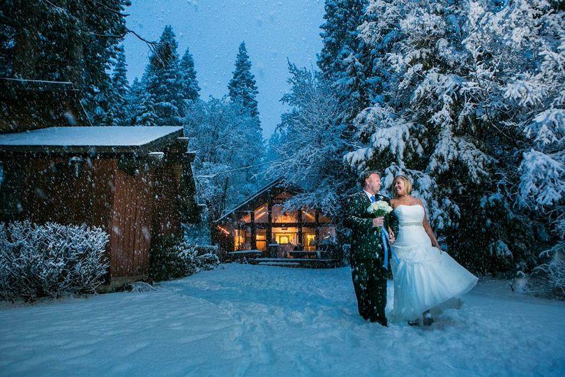 lake tahoe winter weddin