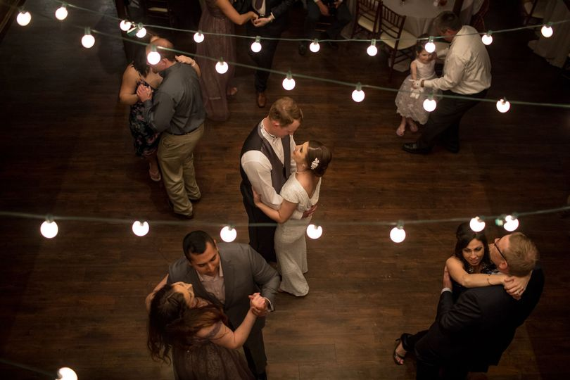 82115ff4f067eb47 1528906206 a12e01f44296f9e3 1528906185315 3 Houston Wedding Ph