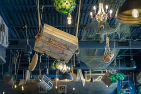 Mutiny Pirate Bar And Island Grille
