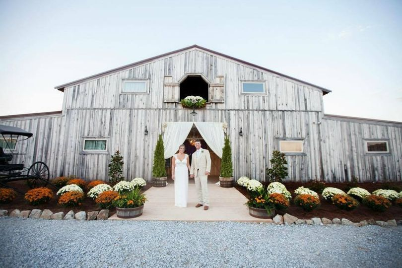 Meadow creek farm venue valhermoso springs al for Wedding venues huntsville al