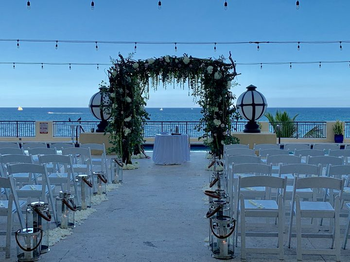 Long wedding isle