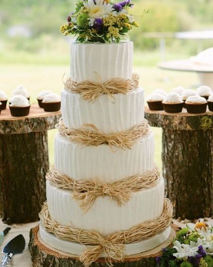 Mona & Bruce's rustic wedding cake in the Canyon