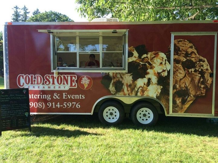 What Are My Startup Costs? Cold Stone Creamery ice cream franchise is a low-cost investment with high potential rewards. Cold Stone Creamery ice cream franchise has helped entrepreneurs realize their dreams of small business ownership since we started franchising the concept in