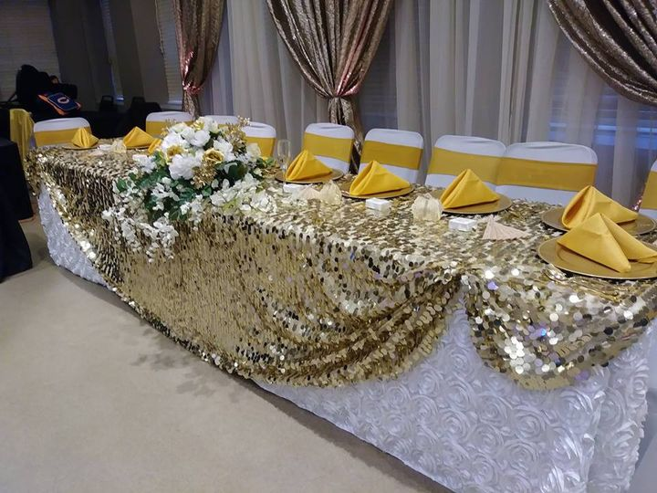 Gold wedding top table