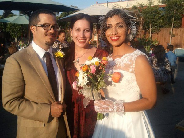 LA Wedding Woman, Elysia with clients at Blue Jay cafe.