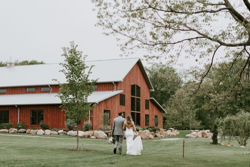 Red barn | Kristen kaiser photography