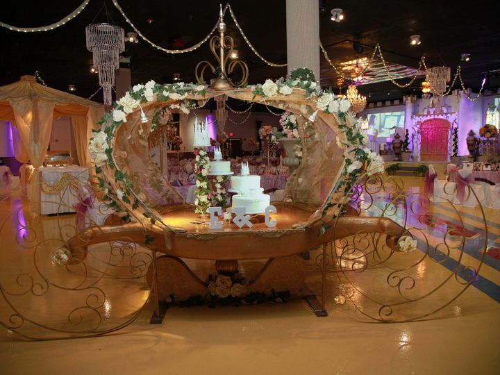 Tmx Ll26 Cake Carriage 51 46497 Tampa, Florida wedding venue