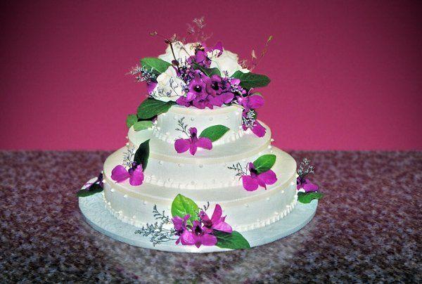 Tmx 1248910427230 Cake12 Beverly wedding cake