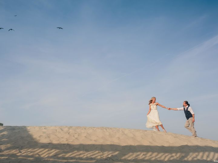 Tmx 1521570680 3bea00ac956847b9 1521570678 C1481f15828b6ece 1521570678464 5 Rovtar McGee Richa Folly Beach, SC wedding venue