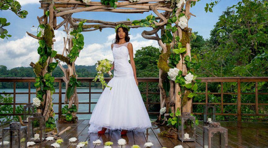 1e6ff9c9bc5d2c8a wedding pic on beach deck