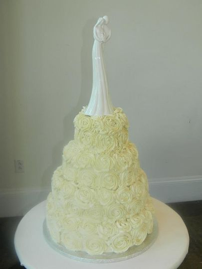 4-tier vintage roses cake
