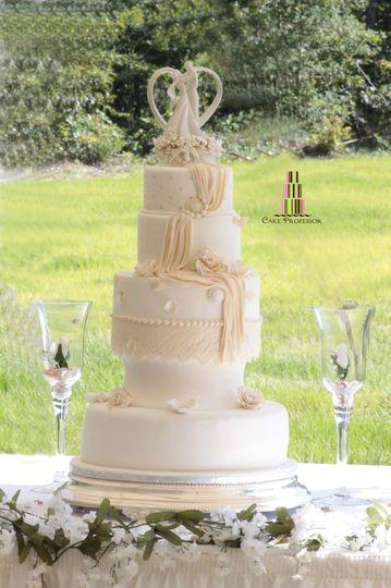 Wedding cake and glasses