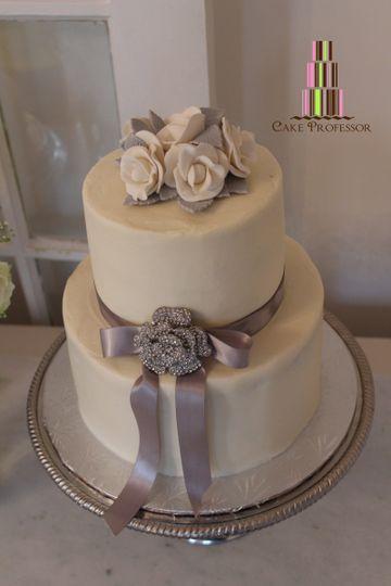 Wedding cake with grey ribbon