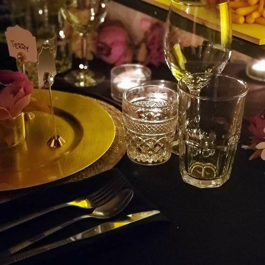 Gold & Black table arrangement