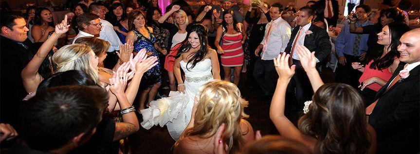 1f21301f12947fcd 1404343897144 weddingwire photo2