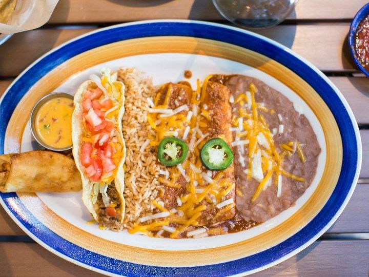 Tmx 1528199101 606f5bd1a6c34a2a 1528199098 5e18365656e7126f 1528199092355 2 Otb2 Oklahoma City wedding catering