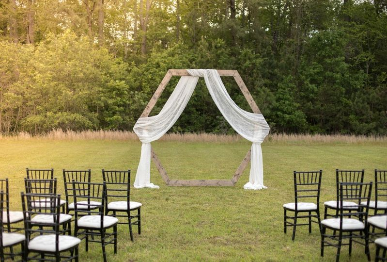 Outdoor ceremonies available!