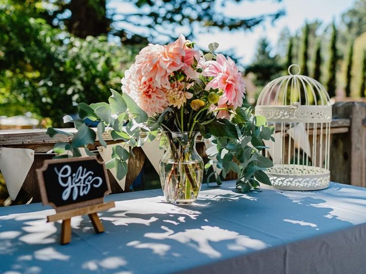 Tmx Thumb Img 2601 1024 51 1982697 159849756816552 Trinidad, CA wedding florist