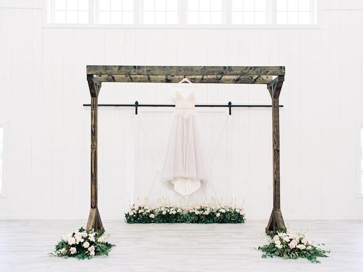 Tmx Whiterosebarnweddingphotography53 51 1083697 157949101943409 North Lawrence, OH wedding venue