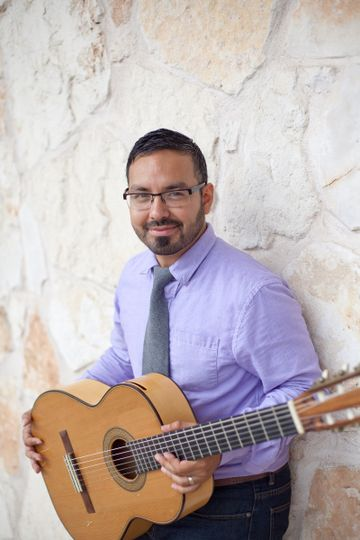 Arnold Yzaguirre, Classical Guitarist