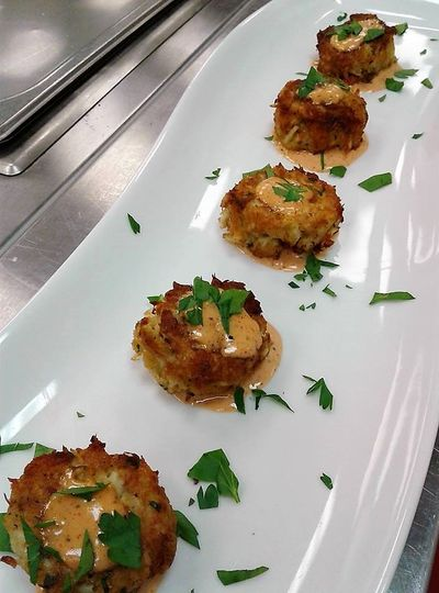 800x800 1490997911985 ww crabcakes spicy remoulade