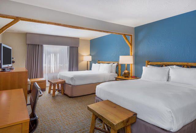 Double queen deluxe rooms.