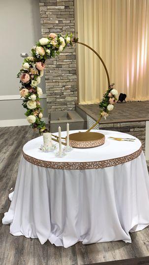 Cake table decor hoop