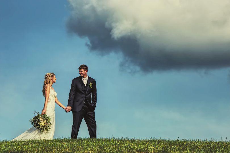 bride and groom sky 51 140897 158316309927826
