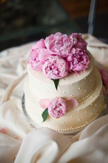 Peonies on cake