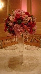 large shades of pink centerpiece 168x300