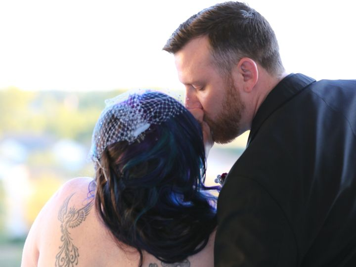 Tmx 1532583164 C2ee20ba202e886b 1532583160 F851f5ca918664b7 1532583138821 3 1D1A1505 Fishers, Indiana wedding videography