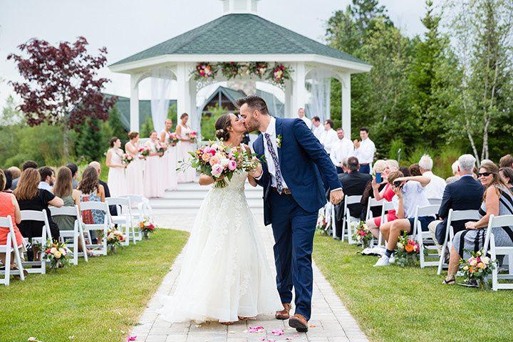 Wisconsin summer outdoor wedding