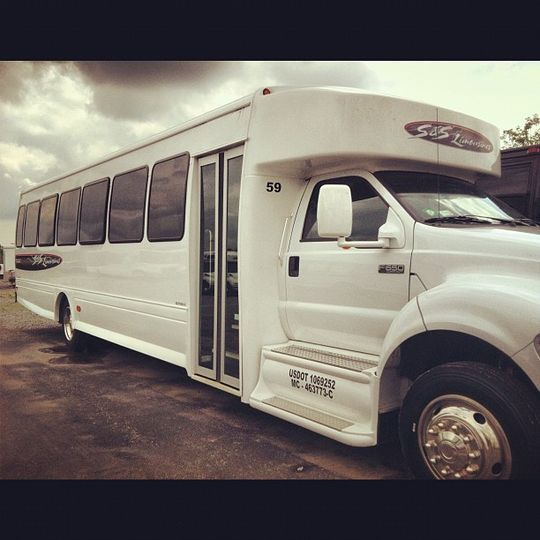 Level 4 Limo Bus